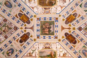 b_300_300_16777215_00_images_palazzofarnese_stanza.lanifici.jpg