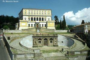 Palazzo Farnese, facciata principale