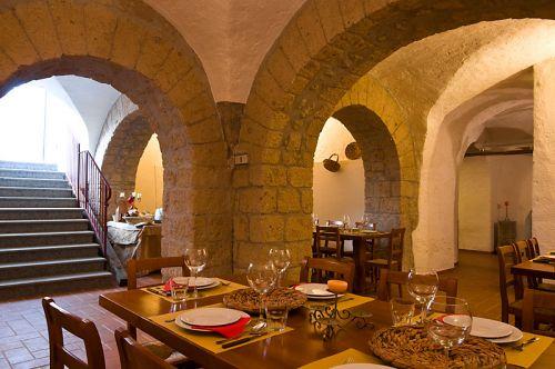 nei locali del castello medievale