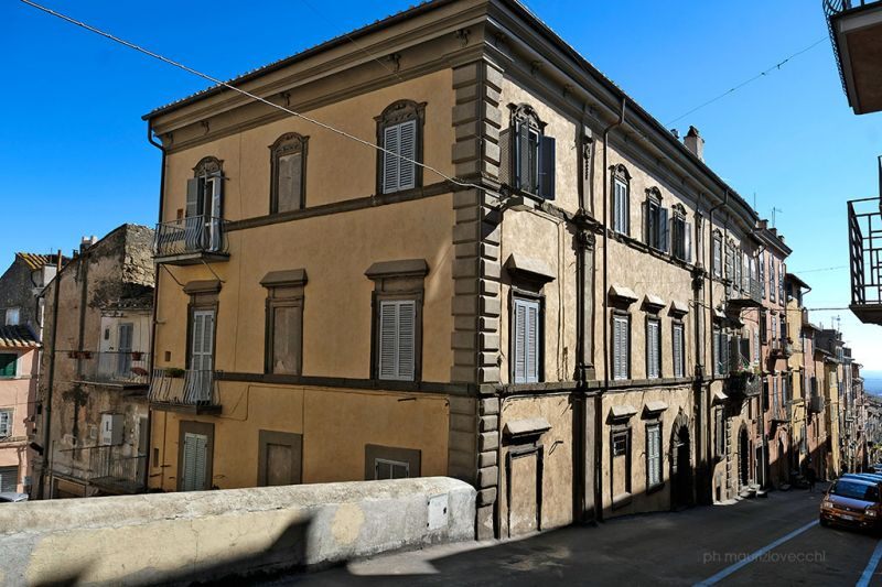 b_800_600_16777215_00_images_monumenti_palazzo-flacchi-spada.jpg