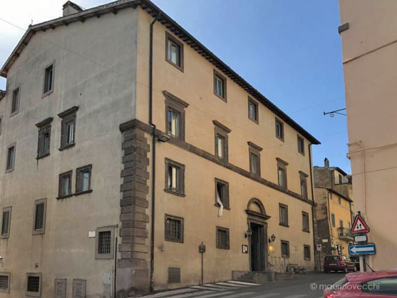 b_800_600_16777215_00_images_monumenti_palazzo-ospedale-facciata.jpg