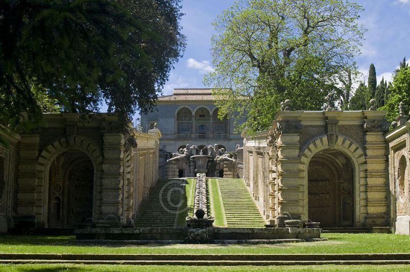 b_800_600_16777215_00_images_monumenti_palazzo-giardini.jpg
