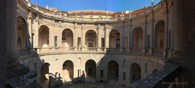 b_800_600_16777215_00_images_palazzofarnese_cortile-palazzo-farnese.jpg